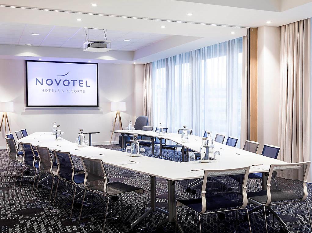 Hotel project FF&E OS&E Novotel Amsterdam Schiphol Airport (1)