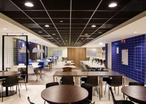 Hospitality consultant Jawel voro Hotel Holiday Inn Express Rotterdam